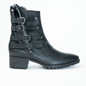 BH&BR New York Boot with Knife
